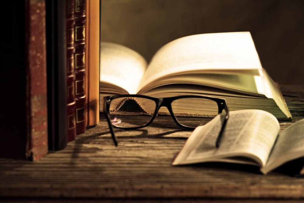 Enlarging your world by reading